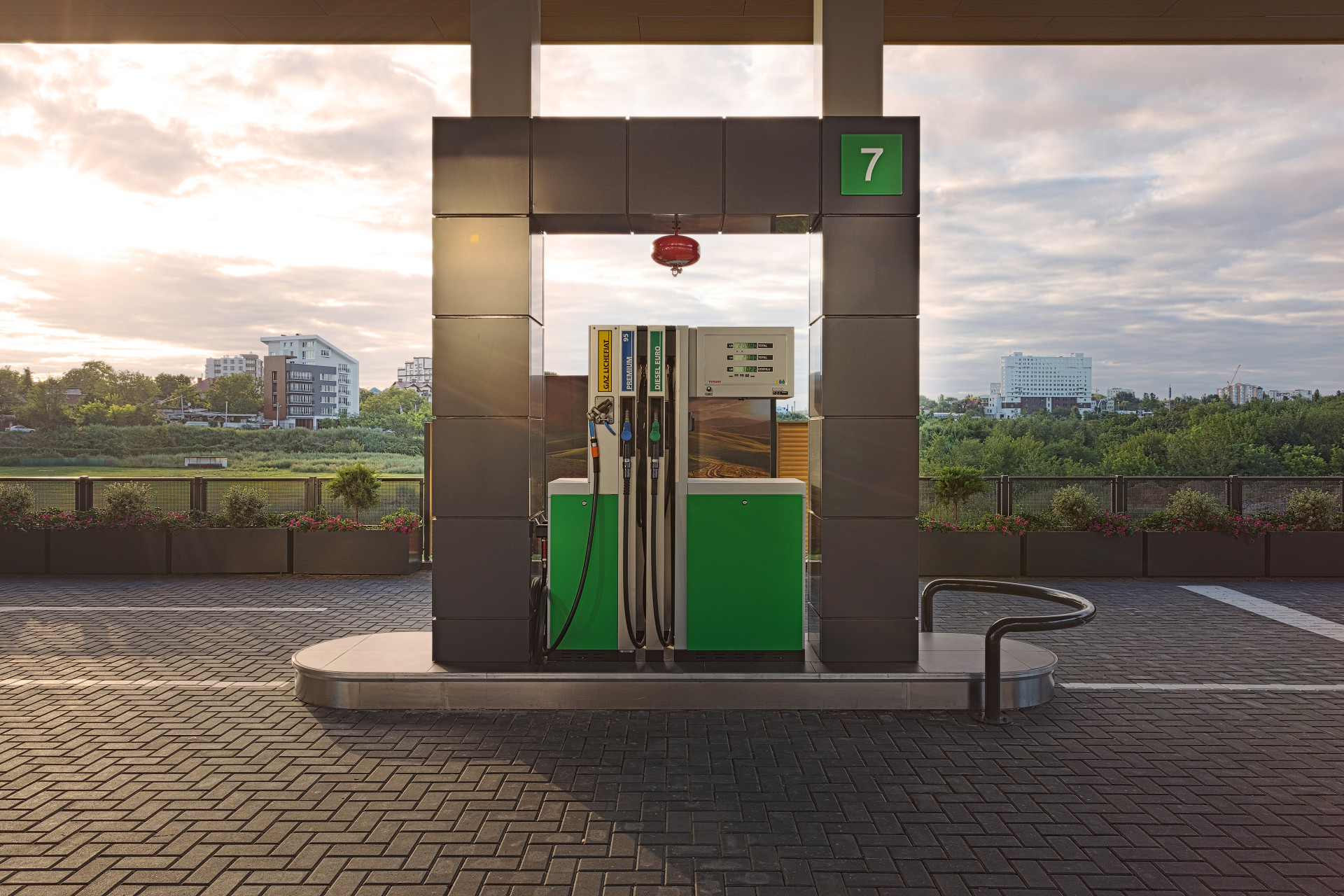Wisp-A_Gas Station_Petrol Pump