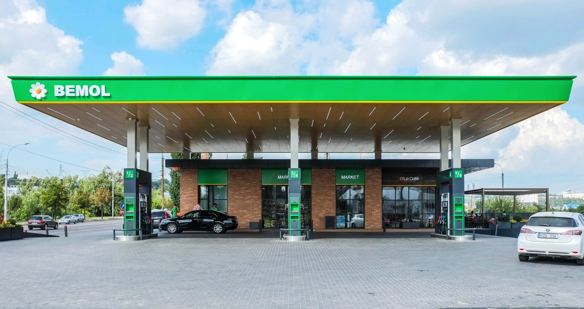Wisp-Bemol-gas-station-Main-facade-view