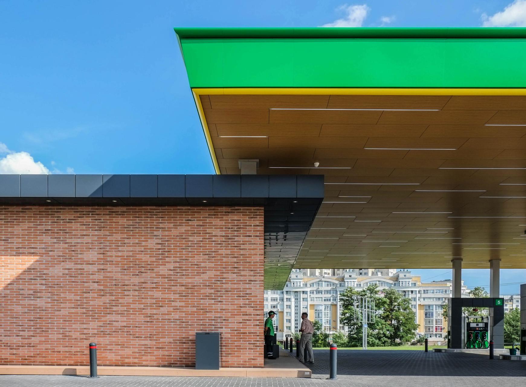 Wisp-Bemol-gas-station-Side-facade