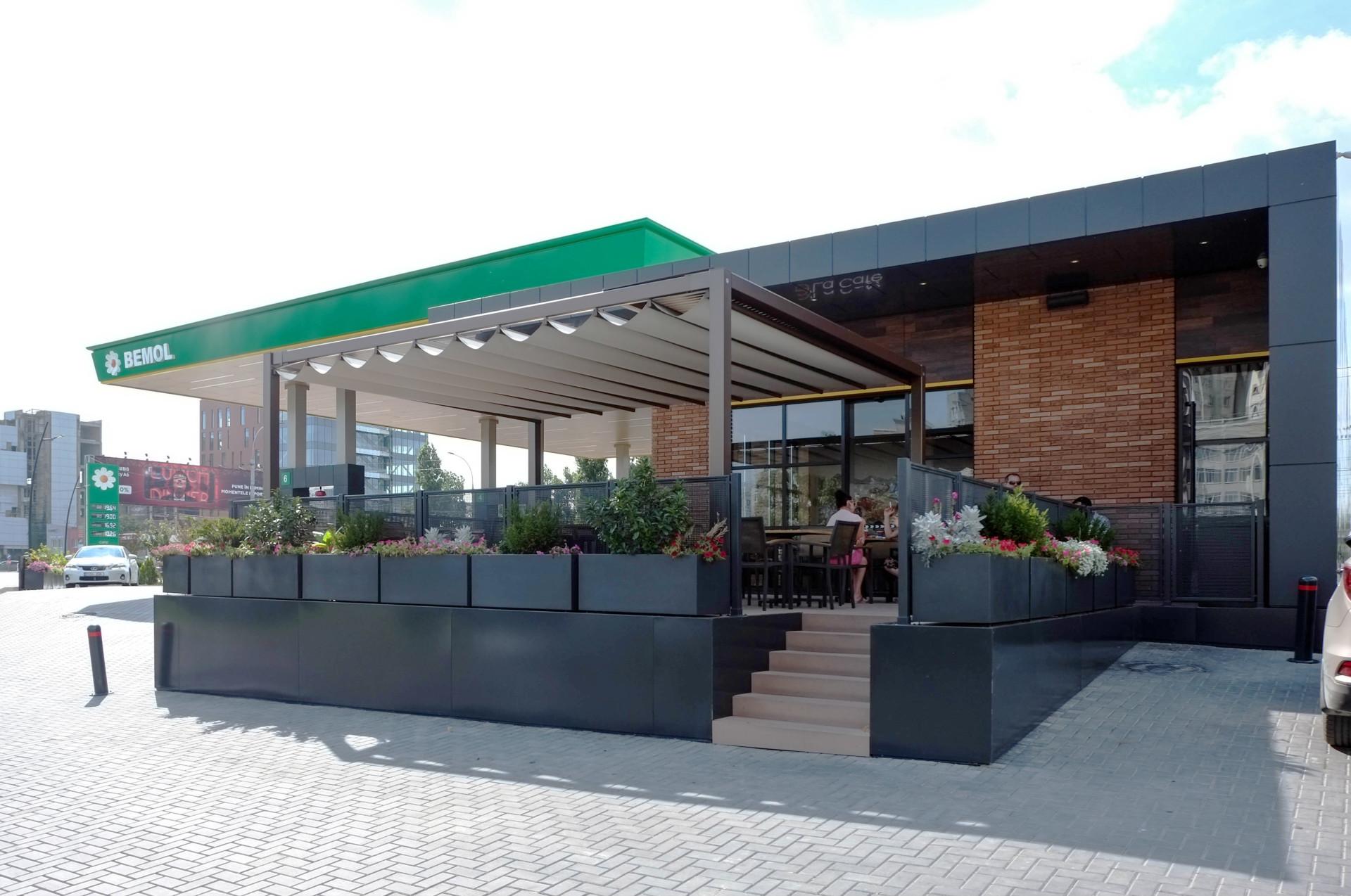 Wisp-Bemol-gas-station-Terrace-view