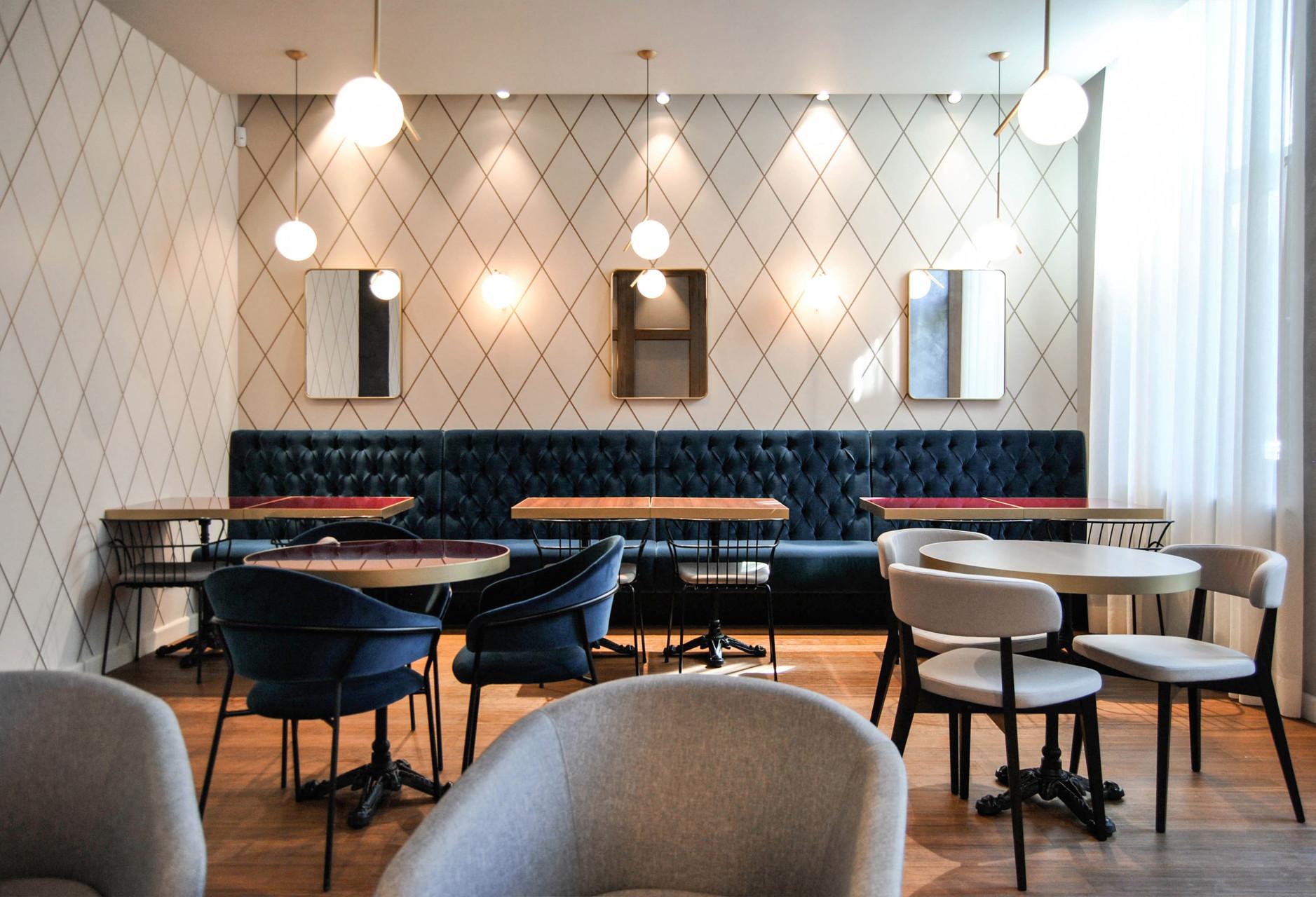 Naringi Café Tibi_04_Table Area